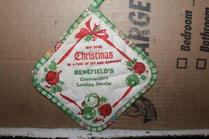 Vintage Benefield's Jewelry Store Guntersville Alabama Oven Mitt Christmas Ala