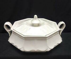 Red Cliff White Ironstone Octagonal Shaped Covered Vegetable Casserole Tureen