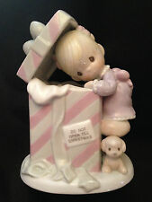 Enesco Precious Moments 1997 Nightlight, Little Girl w/Present, Pink/White - New