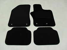 Jeep Renegade 2015-on Fully Tailored Deluxe Car Mats in Black.