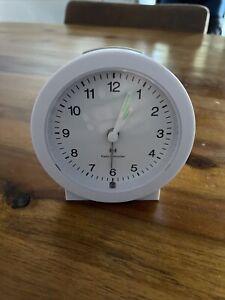 TCM Funkuhr/Wecker Radio Controlled Clock weiß