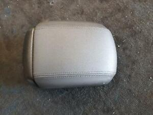 HOLDEN CRUZE CONSOLE LID JH, 03/11- 11 12 13 14 15 16 17