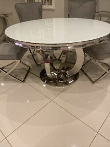 BRAND NEW ROUND WHITE GLASS CHROME LEG DINNING TABLE
