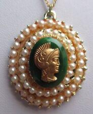 Collier pendentif couleur or bijou vintage camée vert perles fantaisie 1677