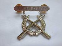 USMC US Marine Corps Rifle Qualification Expert Shooting Badge Pin - US108