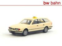 Herpa H0 042048 BMW 525i touring (E34) Taxi - hellelfenbein