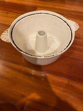 New listing Vintage White Enamel Ware Cast Iron Bundt Pan 10� Round
