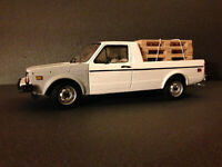 VW Caddy XXL US-Version im Used-Look mit Ladegut Tuning Diorama Volkswagen 1:18