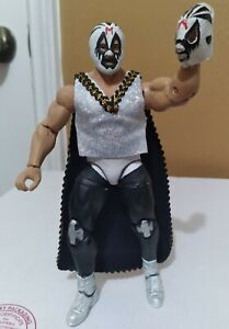 MIL MÁSCARAS. Mexican Legend Custom Figure Élite/W Cape and mini Mask.