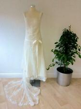 BEAUTIFUL IVORY LACE BEADED & EMBROIDERED WEDDING DRESS WITH TRAIN SIZE 6/8