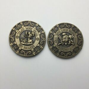 MINNIE MOUSE PIRATE CHALLENGE COIN NON NYPD DISNEY