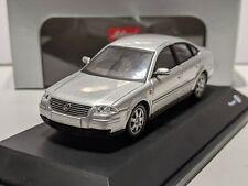 Volkswagen Passat B5.5 V6 4-Motion Reflex Silver 1/43 SCHUCO VW Dealer Exclusive