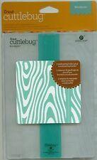 CUTTLEBUG 5 x 7 embossing folder WOODGRAIN plus BORDER