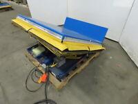 """Vestil 4000LB Hydraulic 30° Tilt Table Upender 13"""" 20° Lift 230V 3Ph"""
