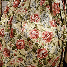 SINGLE VINTAGE CURTAIN LOTS OF FABRIC FLORAL