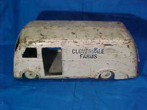 1940s MARX Pressed Steel CLOVERDALE FARMS Toy MILK DELIVERY TRUCK