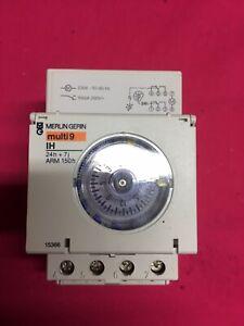Interrupteur horaire pour rail DIN Merlin Gerin, 230 V c.a. 2 canal(aux)