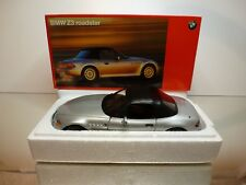 UT MODELS BMW Z3 ROADSTER - SOFT TOP - METALLIC 1:18 - EXCELLENT IN BOX