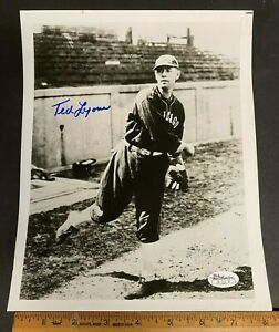 BLACK & WHITE 8X10 PHOTO SIGNED BY TED LYONS CHICAGO WITH JSA/COA STICKER (MS)