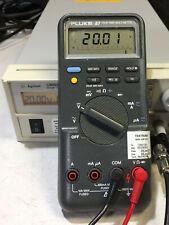Fluke 87 Digital Multimeter - Working