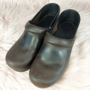 DANSKO BROWN OILED LEATHER SHOES CLOGS WOMEN'S SIZE EUR 39 US SIZE 8.5 / 9