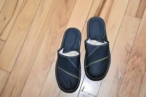 Leather House sheepskin Scuff or Slide Slippers Light Weight Men's Black Comfy