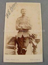 107928, Portraitfoto, Husar, Husaren Regiment 16, Pelzmütze Attila Säbel