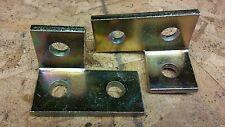 Unistrut (P1823) 3-Hole Right Hand Bracket Fitting (2pcs) Gold
