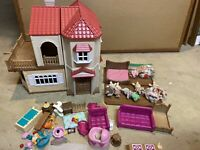 Calico Critters Epoch Sylvanian Luxury Red Roof luxury Townhouse w/ Accessories