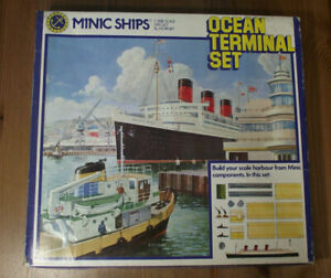 "TRIANG MINIC SHIPS 1:1250 . "" OCEAN TERMINAL SET """