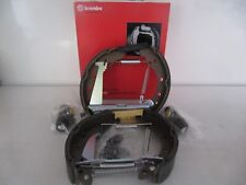 BREMBO BRAKE SHOES WITH INSTALLATION KIT pre-assembled and Wheel Cylinder Audi,