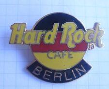 HARD ROCK CAFE BERLIN FALG LOGO GERMANY ... Spange / kein Pin (Ka1)