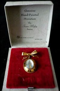 Antique Thomas L Mott Gold-Tone Bow Brooch Hand Painted Lady In Original Box