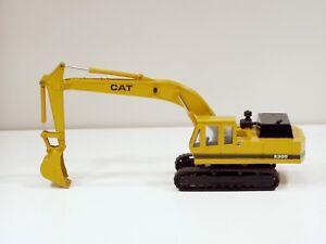 Caterpillar E300 Excavator - 1/48 - Shinsei #606 - N.Mint
