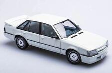 Biante Holden VK HDT SS Commodore 1:18 in Alpine White