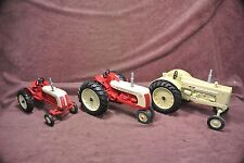 Collector Series Cockshutt 560 Blackhawk 20, 50 1/16th Scale Toy Tractors
