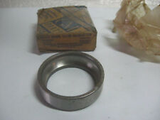1935-1959 CHEVROLET TRUCK FRONT WHEEL BEARING OUTER CUP GM 909625 NOS