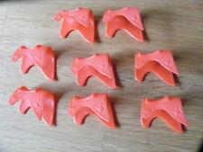 8 Timpo Toys Kavalleriesatteldecken, rot