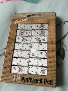 18 Patterned Pegs