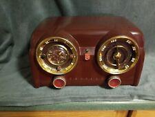 Crosley Marroon model D-25 Mn dash board Am radio clock works great