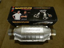 """New Magnaflow 2.5"""" Inlet/Outlet Universal Catalytic Converter 99006HM Cat"""
