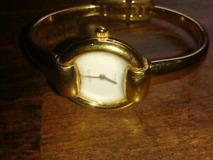 SUPER GENUINE GUCCI LADIES 18ct GOLD PLATED WHITE FACE WRISTWATCH 1400L 0246801