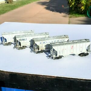 LOT of FOUR Walthers 2-Bay Cement Covered Hoppers Custom Weathered USED