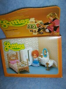 1980 The Littles Dollhouse – Flossie doll and Bedroom Furniture Set