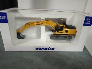 Pelle excavatrice Komatsu PC 490 LC-10 au 1/50e Universal Hobbies UH 8090.