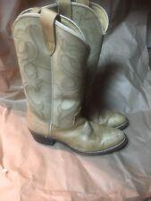 Womens LAREDOcowboy boots size 8 Bbeige