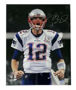 """TOM BRADY Autographed New England Patriots 16 x 20 """"Scream"""" Photograph FANATICS"""
