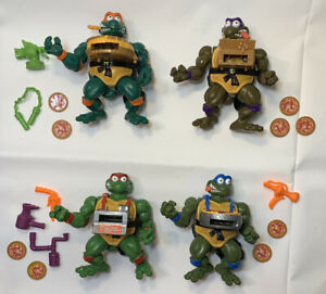 TEENAGE MUTANT NINJA TMNT Vintage 1993 Pizza Tossin Turtles Set lot Accessories