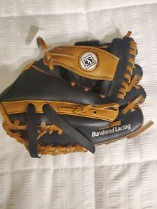 "Franklin 4809 9 1/2"" Right Hand Thrower Baseball Glove Black/Tan"