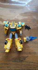 Transformers Cyberverse Deluxe Bumblebee  ( USED COMPLETE)